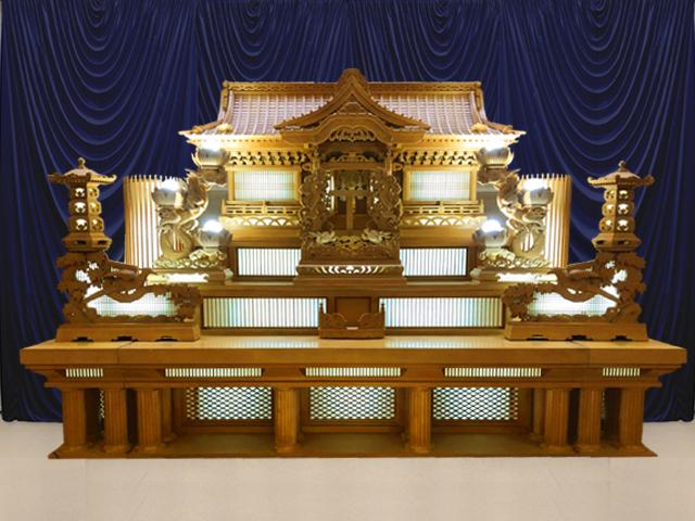 公営斎場祭壇プラン 厳格な白木祭壇を使ったセットプランです。